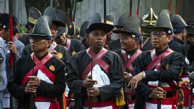 Prajurit Kraton Yogyakarta bersiap untuk Grebeg Maulid