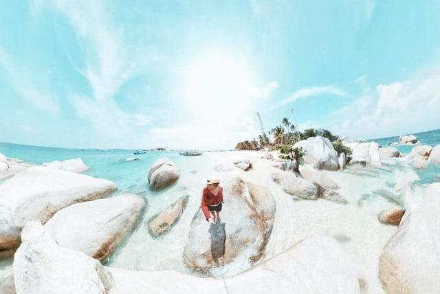 Kadek Arini Saat di Pulau Lengkuas, Belitung