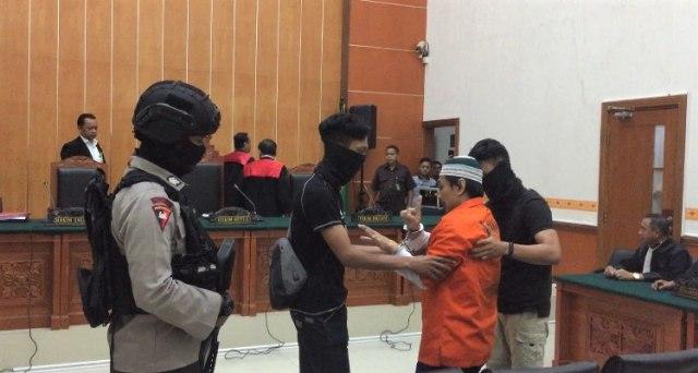 Wawan Kurniawan, Dalang Penyerangan Polda Riau, Divonis 11 Tahun (108181)
