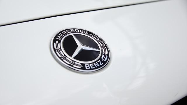 Mercedes-Benz Setop Produksi Mobil Manual, Kenapa? (74091)