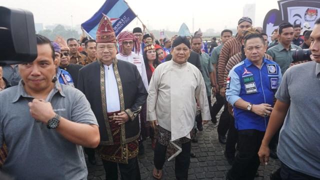 SBY dan Prabowo di Monas.