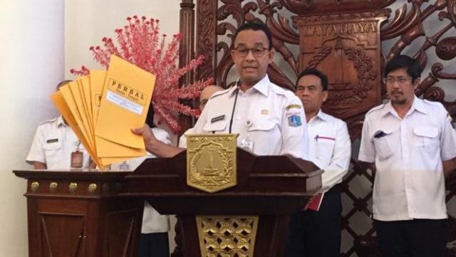 Gubernur DKI Jakarta Anies Baswedan konferensi pers soal reklamasi di Balai Kota, Jakarta Pusat