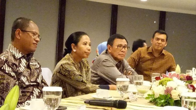 Rini Soemarno: Harga BBM Tak Naik Bukan karena Kepentingan Politik (64520)