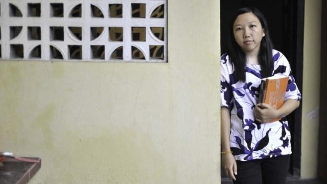 Erwiana, Dari TKI Korban Penyiksaan Menuju Sarjana Ekonomi (344834)