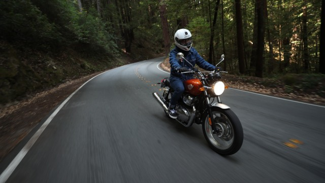 Mencoba Royal Enfield 650 Twin Interceptor di California