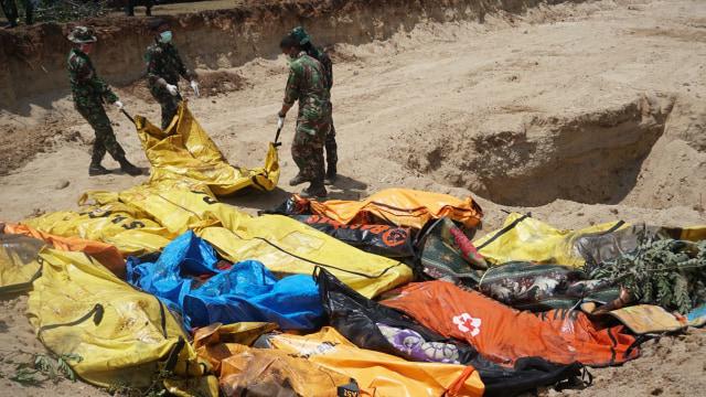 Pemakaman Masal Korban Gempa, Tsunami, Palu, Sulawesi