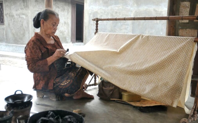 Pengrajin Batik Laweyan