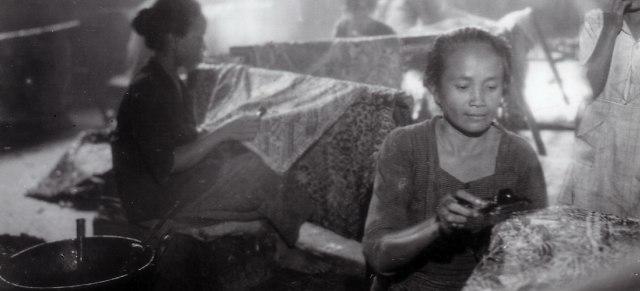 Ilustrasi Pengrajin Batik Laweyan Zaman Dulu