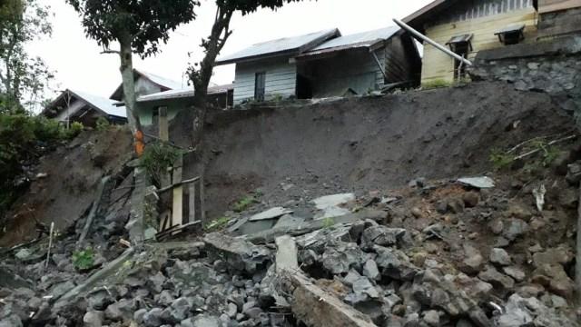 Tanah Longsor dan Banjir Landa 5 Kabupaten di Aceh (738232)