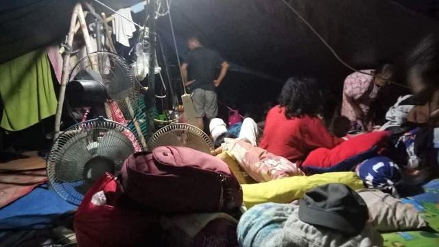 Pengungsian di Desa Karawana Sigi