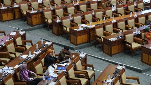 DPR, RI yamizard Ryacudu, ikhtisar hasil laporan kementrian pertahanan semester 1, rapat parpurna