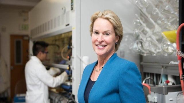 Manfaatkan Evolusi Enzim dan Antibodi, 3 Ilmuwan Raih Nobel Kimia 2018 (78950)