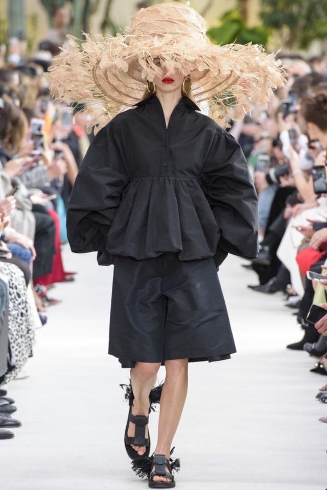 7 Koleksi Terbaik Di Paris Fashion Week Spring Summer 2019 Kumparan Com