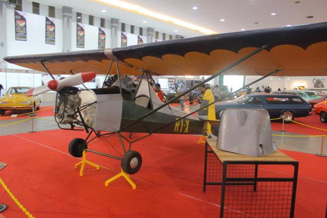 Pesawat TNI AU RI-X WEL  di Kustomfest 2018
