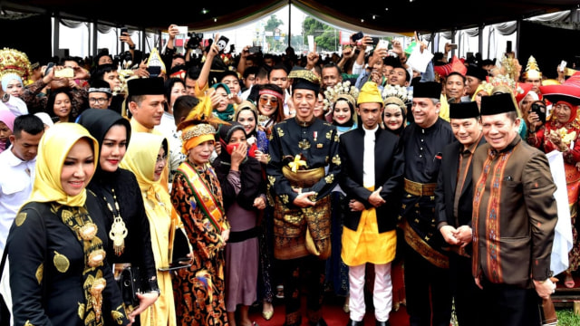 Presiden Jokowi, Gelar ADat, Kesultanan Deli, Sumut