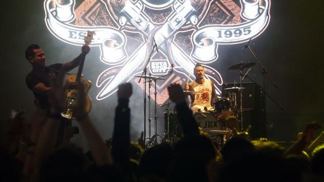 Gelar Konser 'Aku Cinta', Iwan Fals Tunjuk SID Jadi Opening Act (6796)