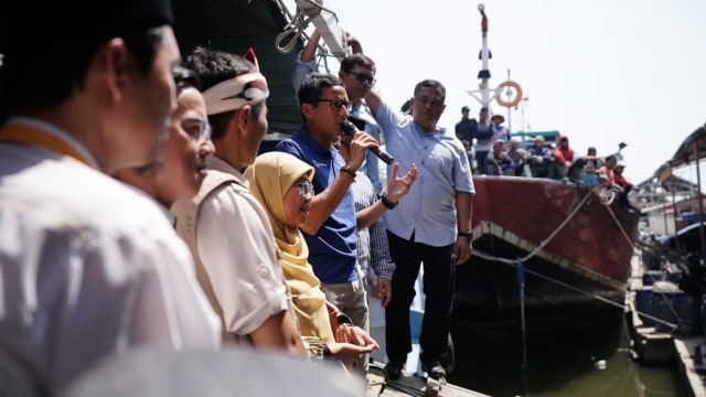LIPSUS SANDIAGA UNO bertemu nelayan di Indramayu
