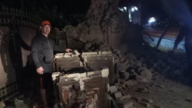 8 Orang Terluka dan 25 Rumah Rusak Akibat Gempa 6,3 M di Situbondo (105922)