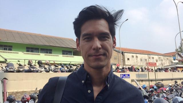 Richard Kyle Temani El Barack Sepedaan, Bareng Jessica Iskandar? (41569)