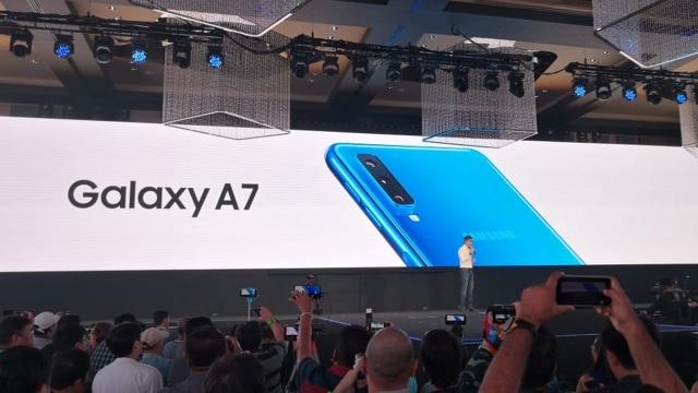 Launching Samsung Galaxy A7