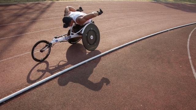 Jaenal Aripin, Atlet Balap Kursi Roda