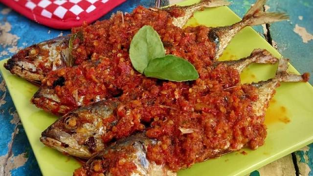 resep masakan ikan kembung balado renyah  pedas menggoda Resepi Ikan Bakar Santan Enak dan Mudah