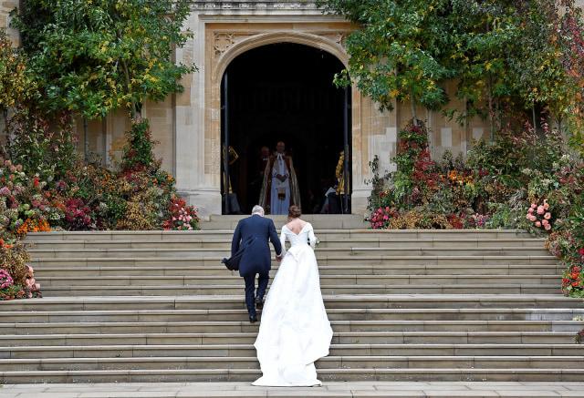 Makna di Balik Pilihan Gaun Pernikahan Putri Eugenie (490425)