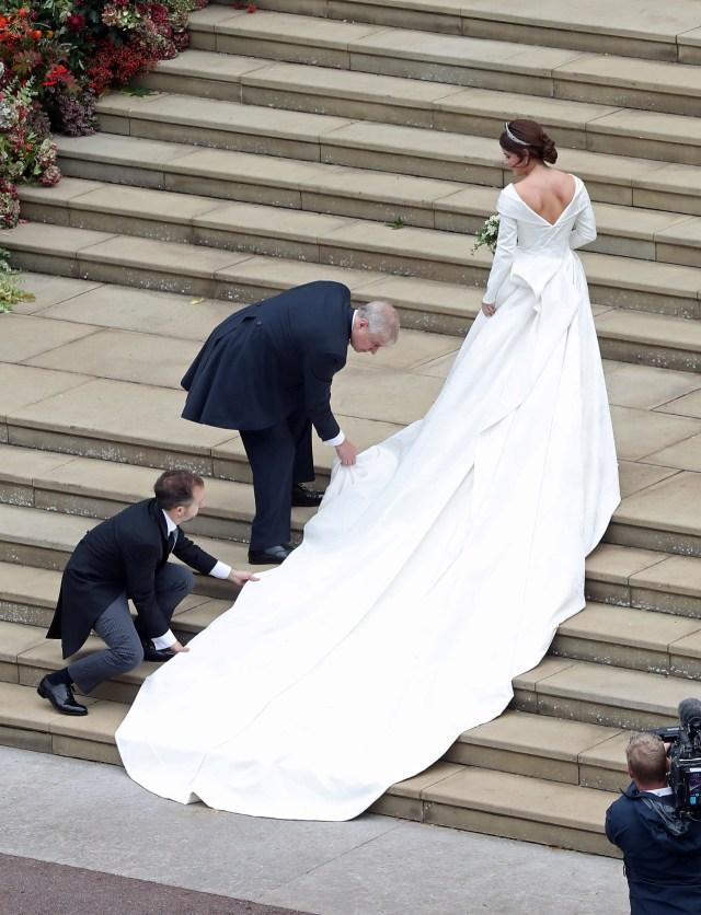 Pilih Mana: Gaun Pengantin Kate, Meghan, atau Putri Eugenie? (78844)