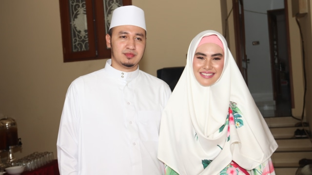 Habib Usman, Kartika Putri.