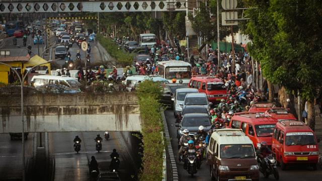 Jalan Raya Pasar Minggu Ditutup hingga 23 Mei, Ini Rute Pengalihan Arusnya  (7837)