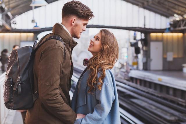 5 Tips Jalani Hubungan Asmara yang Sehat Meski Terpisah Jarak Jauh (57302)