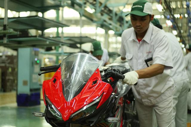 Ada Generasi Baru, Bagaimana Nasib Onderdil Honda CBR150R Lawas? (406912)