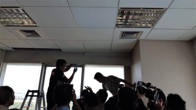 6 Ruang Kerja Anggota DPR yang Diterjang Peluru  (81562)