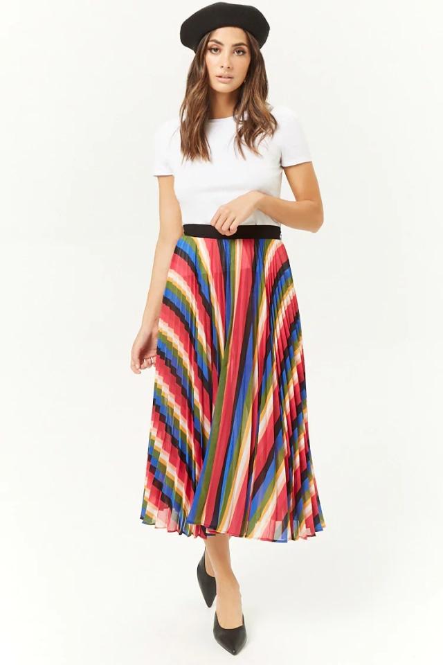 Rekomendasi kumparan: 7 Pleated Skirt untuk Tampil Gaya saat Bekerja (331)