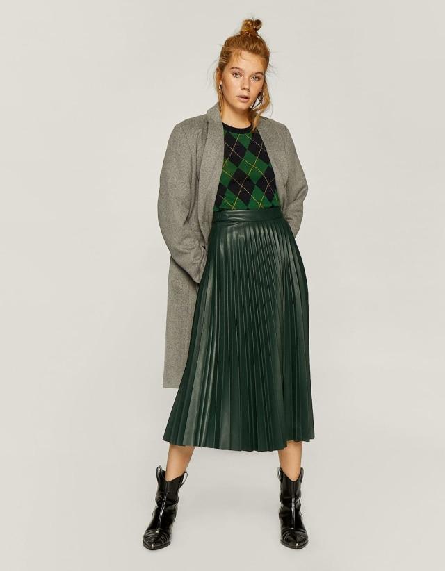Rekomendasi kumparan: 7 Pleated Skirt untuk Tampil Gaya saat Bekerja (328)