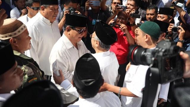 Prabowo mengunjungi Gus Soleh di Ponpes Tebu Ireng, Jombang.