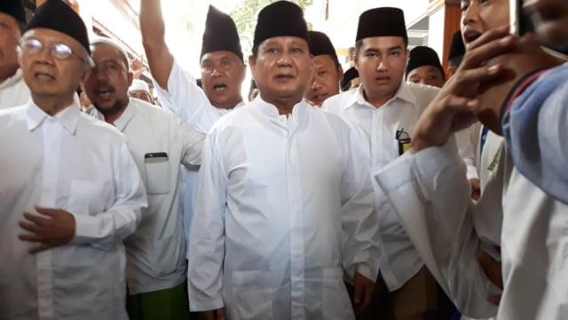 Prabowo, Pondok Pesantren Tebuireng, Jombang, Gus Sholah