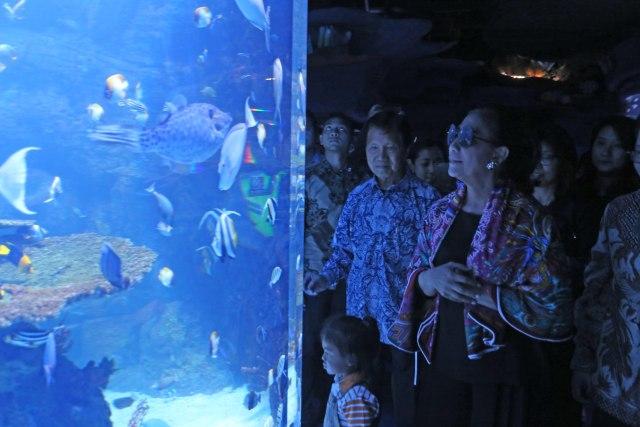 Susi Pudjiastuti - Jakarta Aquarium
