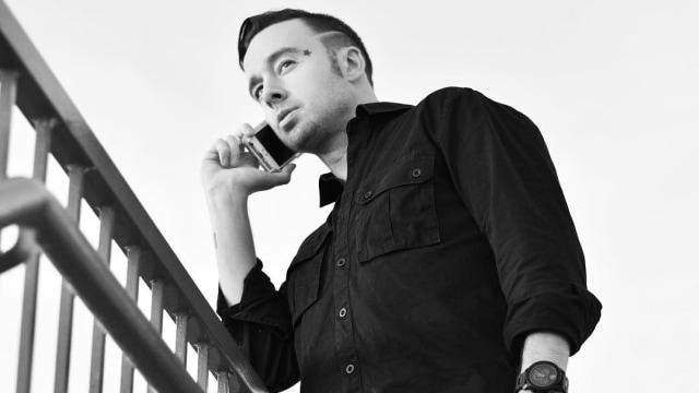 Rapper Jon James Jatuh dari Pesawat dan Tewas (1268680)