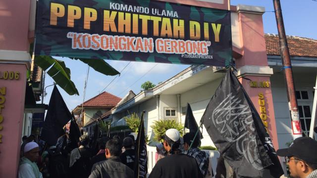 Ratusan Orang Gelar Aksi Bela Bendera Tauhid di Yogyakarta (135764)