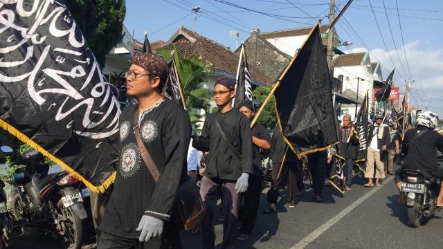 Ratusan Orang Gelar Aksi Bela Bendera Tauhid di Yogyakarta (135765)