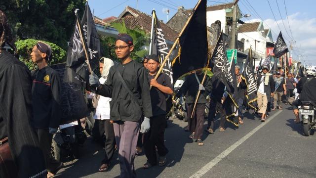 Ratusan Orang Gelar Aksi Bela Bendera Tauhid di Yogyakarta (135763)