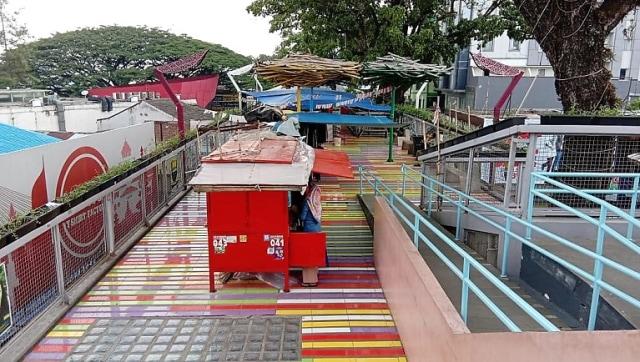 Foto-foto Skywalk Teras Cihampelas yang Terancam Ditinggal PKL dan Pejalan Kaki (7950)