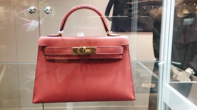 Melihat Ragam Barang Mewah yang Akan Dilelang di Christie's Hong Kong (8962)