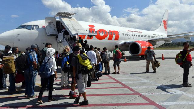 Illustrasi Pesawat Lion Air