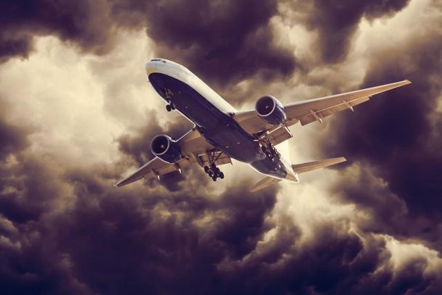 3 Faktor yang Menyebabkan Pesawat Tergelincir saat Melaju di Landasan (10500)