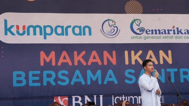 Gibran Rakabuming Raka, Pondok Pesantren Nurul Jadid, makan ikan