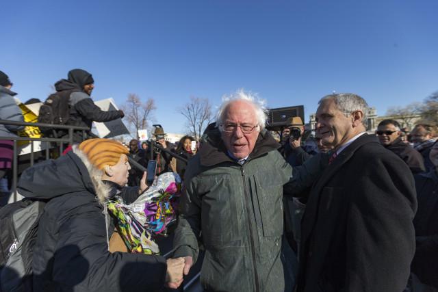 Bernie Sanders Menang Mudah dalam Pemilu Paruh Waktu AS (311017)