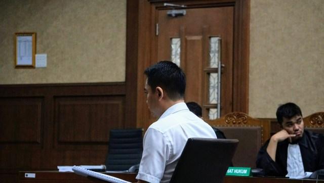 Eks Anggota DPR Fayakhun Ajukan PK, Minta Dibebaskan Hakim (750444)