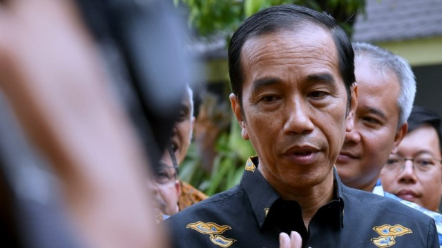 Jokowi Heran Banyak Politikus Menakuti Rakyat: Politik Genderuwo (13497)